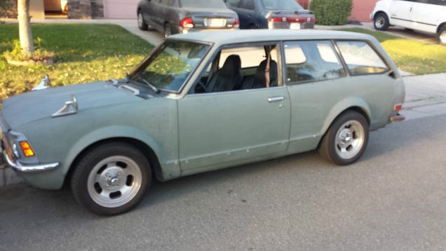 Somebody save this 1972 Toyota Corolla