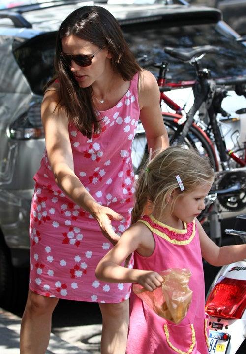 Jen Garner & Violet Affleck Are Pink Ladies