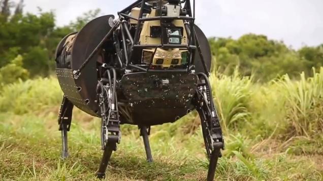 Las fuerzas armadas de E.E.U.U. utilizan un perro robot por primera vez