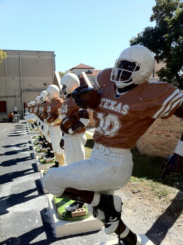 Texas's Terracotta-Army-Like Statues Are Here To Frighten And Confuse Us All