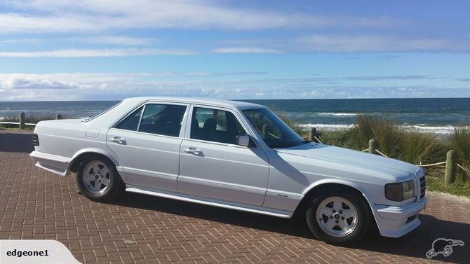 Does this have a real AMG bodykit? (W126)