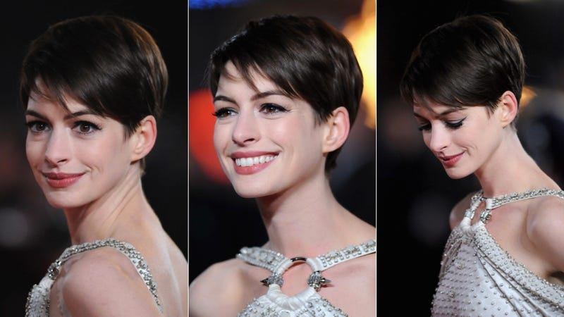 Anne Hathaway's Dress Was as Ridiculous as a Castle on a Cloud at the Les Mis Premiere