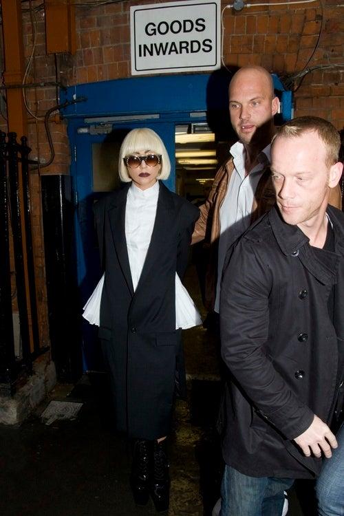 Lady Gaga Nabbed for Stuffing Pockets Full of Napkins