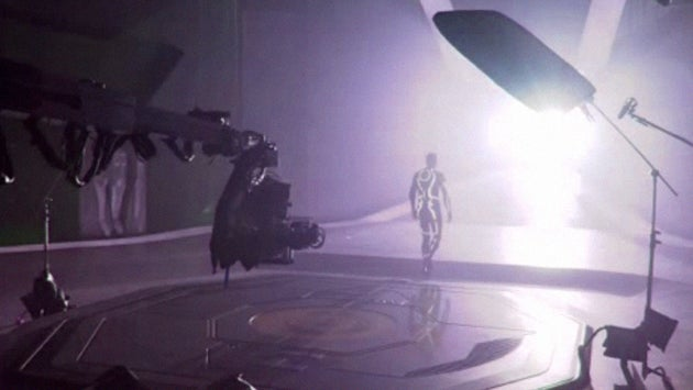 These 15 Minutes of Tron Legacy's Behind the Scenes Make Me Want It Even More