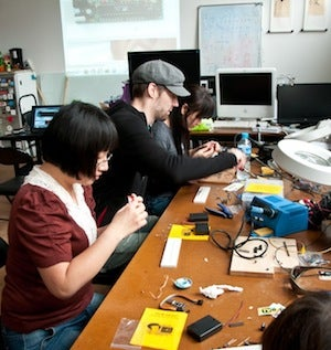 How to Find and Get Involved with A Hackerspace In Your Community