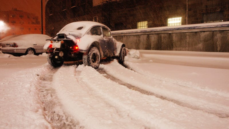 How NOT To Dig Your Car Out Of The Snow