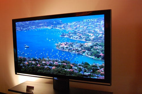 "Sony's New 70"" SXRD Rear Projection: It's Thin, It's Floaty, It's Smooth"