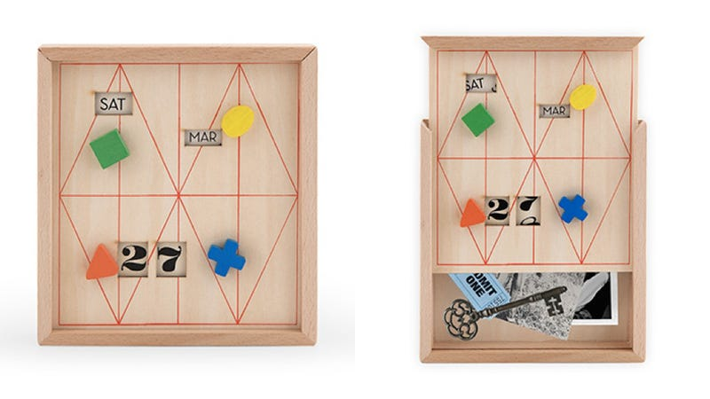 A Clever Perpetual Calendar That Hides a Secret Compartment