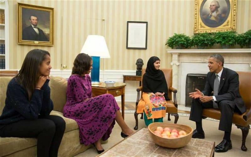 Malala Yousafzai Meets President Obama, Asks Him to Stop Drone Attacks