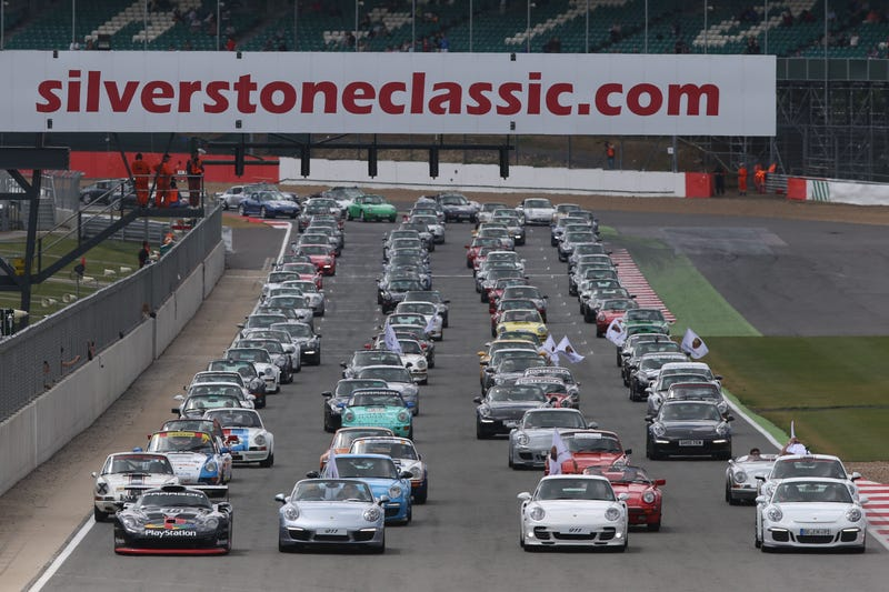 This Is What 1,208 Porsche 911s Look Like On A Race Track