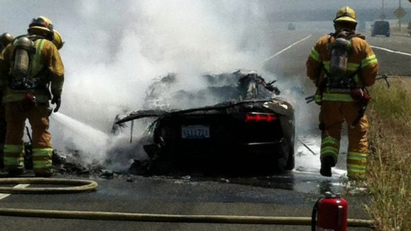 First $376,000 Lamborghini Aventador Destroyed By Fire