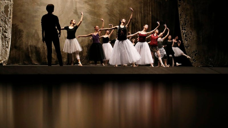 Meet the Racketeers Who Control Russian Ballet Applause