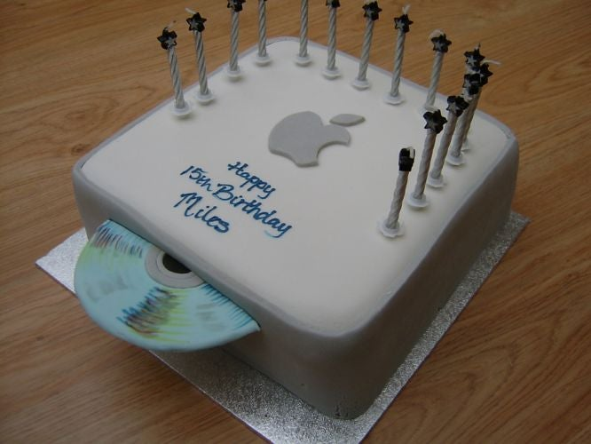 Gallery: 10 Yummy Techie Cakes