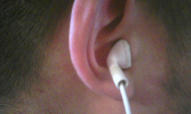 How to Make the Most of Your Crappy iPod Earbuds