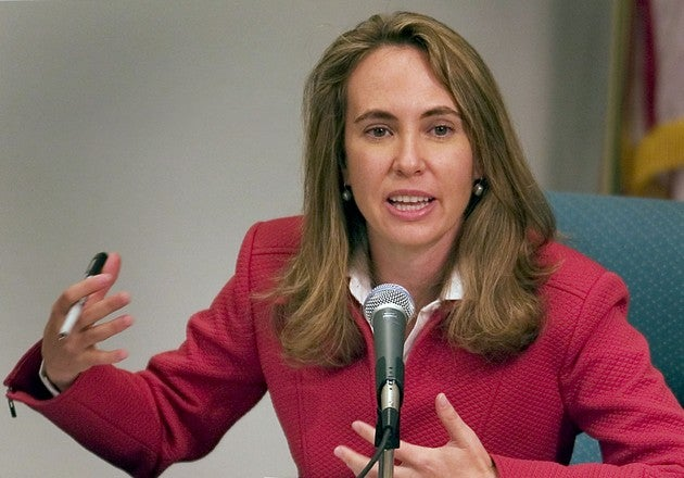 Congresswoman Giffords Reportedly Able To Communicate