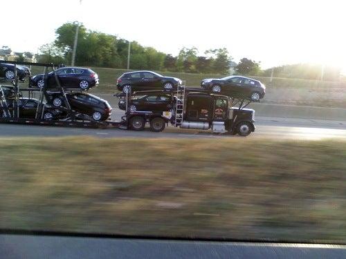 Alfa Giuliettas Invade Michigan Freeway