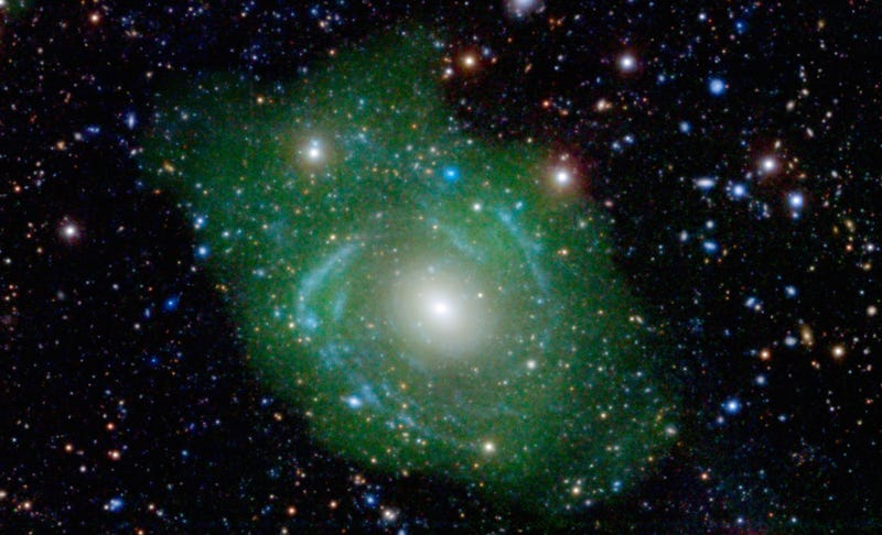 This Bizarre Galaxy Is Younger on the Inside Than the Outside