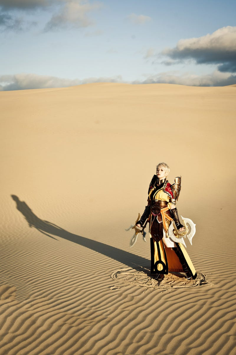 Diablo III's Female Monk Comes to Life in this Stunning Cosplay