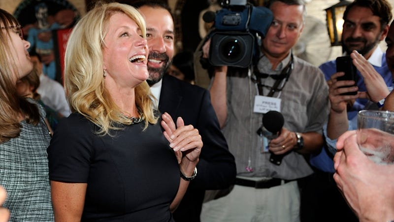 Texas GOP Thinks Wendy Davis Is a Secret Agent from California