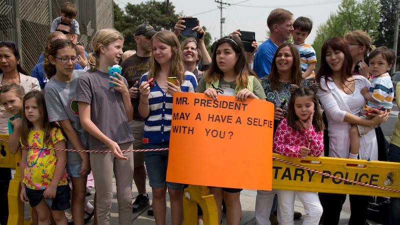 Obama Denies 13-Year-Old A Selfie: Is This the Beginning of Selfiegate?