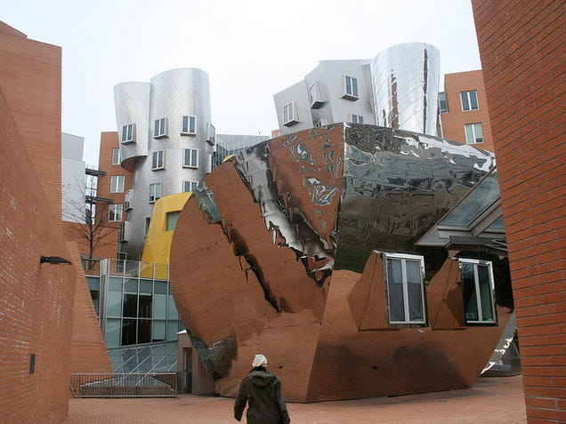 "Frank Gehry Says Architecture Today Is ""Pure Shit"""