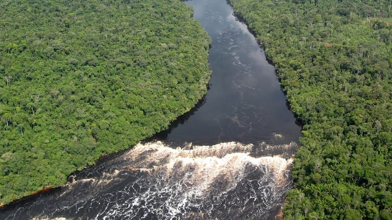 At Least 13 Drowned in Capsized Riverboat on the Amazon