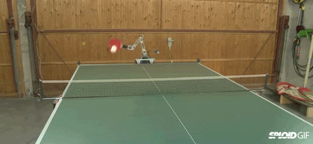 This super nifty one armed robot is better at ping pong than you