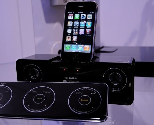 Sharp DK-AP8P iPhone Dock's Touch Remote Is 3X Better Than an iPod