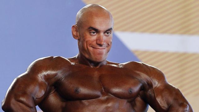 Bodybuilder's Horrible Fake Tan Makes Him Look Like a Living Photoshop
