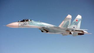 Esto es lo que ocurre cuando un caza ruso intercepta a otro en vuelo