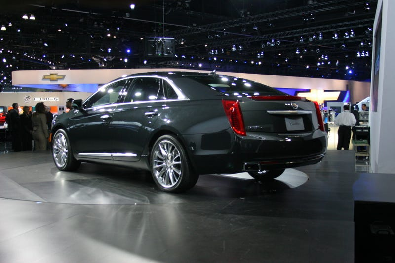 Cadillac XTS: Live Photos