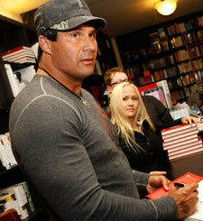Jose Canseco Would Like To Tussle With Athletic-Types