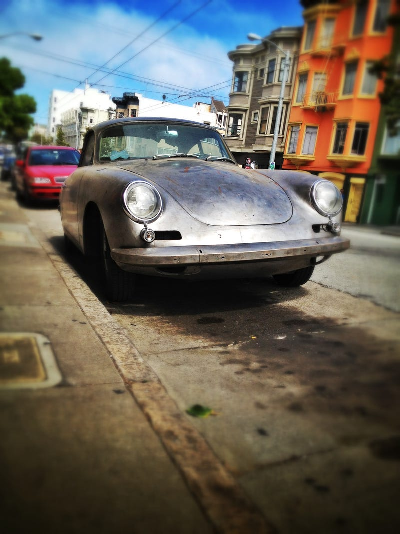 DOTS SF: Naked Porsche