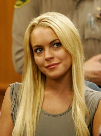 Lindsay Lohan Signs Rehab Discharge Papers, May Leave Today
