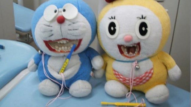 Japan's Favorite Robotic Cat Made Hellish for Good Hygiene