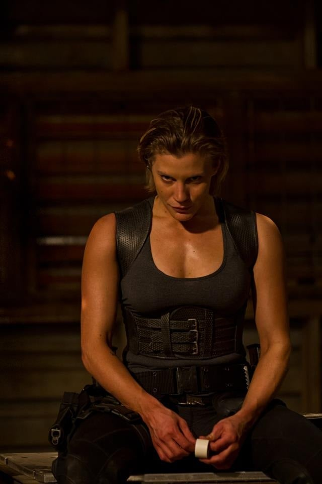 First Look at Katee Sackhoff and an Alien Monster in Riddick 3