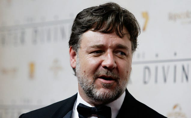 Always Full of Shit Russell Crowe Says Actresses Should Act Their Age