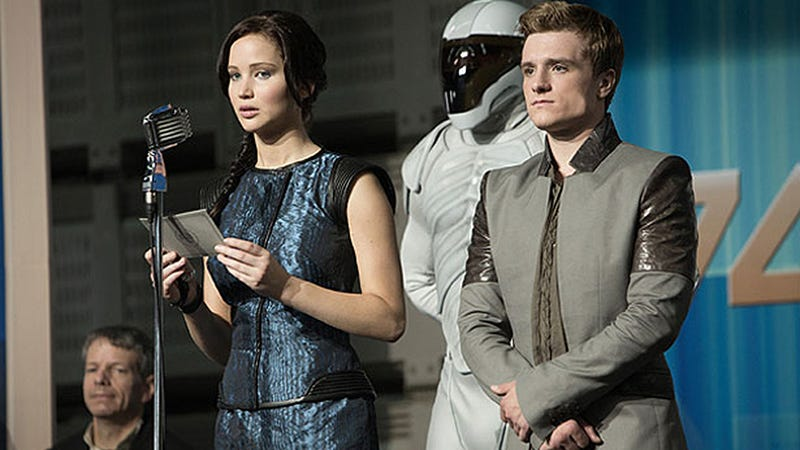 Hold On to Your Quiver of Arrows, There Are New Catching Fire Pix!