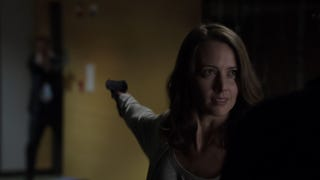"""""""How Did This Turn Into A Flirty Thing?"""" Amy Acker Talks Root And Shaw"""