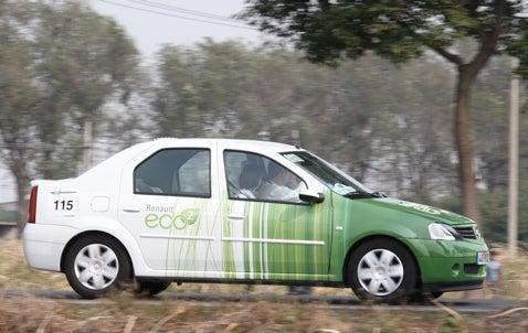 Petrole De Gens! Renault Concept Sets Emissions Record