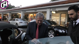 Ultra-Millionaire Les Moonves Won't Tip Valet Because He Only Has $100's