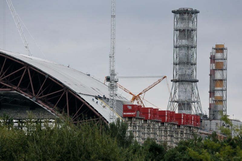 This Massive Steel Structure Will Entomb Chernobyl's Reactor 4