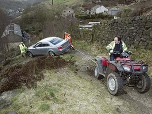 British BMW Driver Follows Sat Nav To Cliff Edge, Darwin Loses