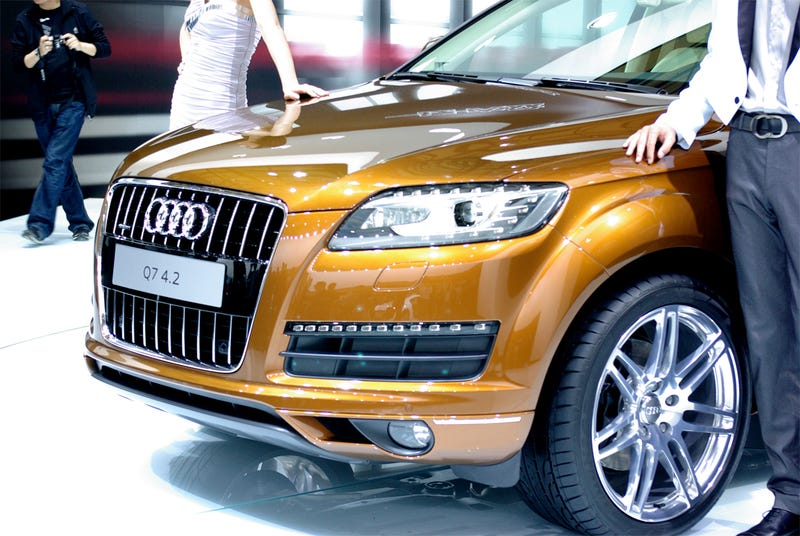 2010 Audi Q7: Soft-Roading With New LEDs, Engines