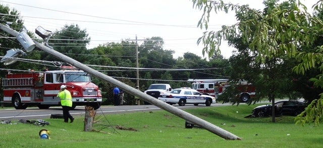 A Tesla Model S Crashed Into an Electric Pole and Caused a Blackout