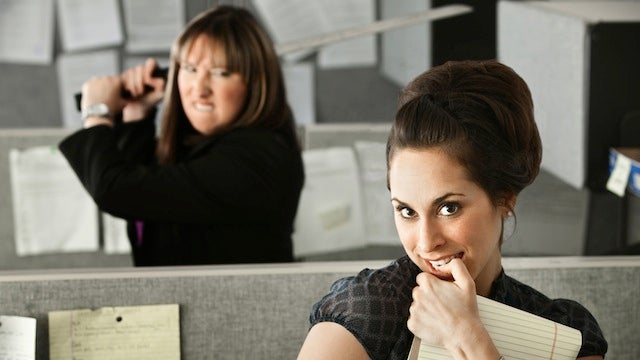 """Avoid """"Comparison Syndrome"""" to Make a Good Impression at a New Job"""