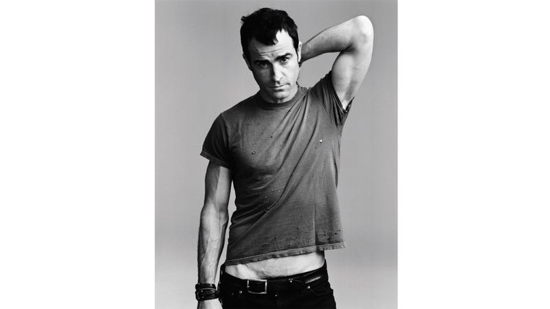 Justin Theroux's Pubes Make Their Debut