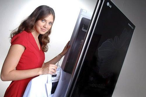 LG's Odd New Vertical Dry Cleaner/Wardrobe Hybrid