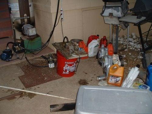 Waste Oil Home Heater Uses Junkyard Ingenuity