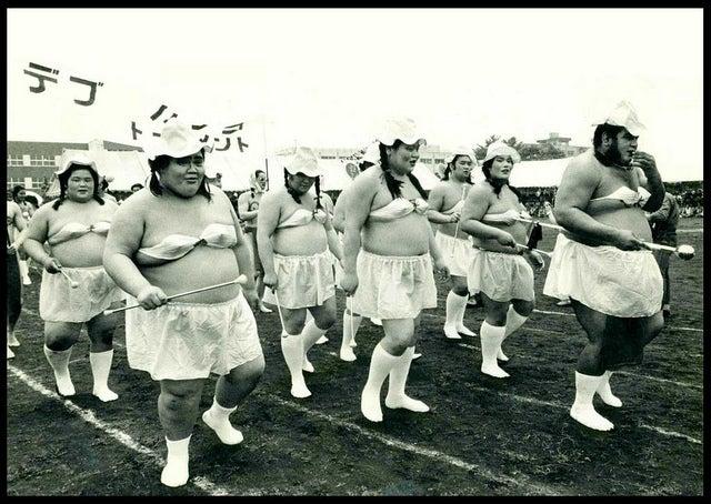 Sumo Wrestlers Make the Best Cheerleaders